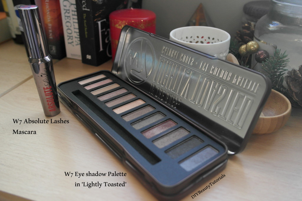 w7 eye shadow palette in lightly toasted